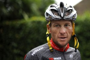US Lance Armstrong arrives to participat