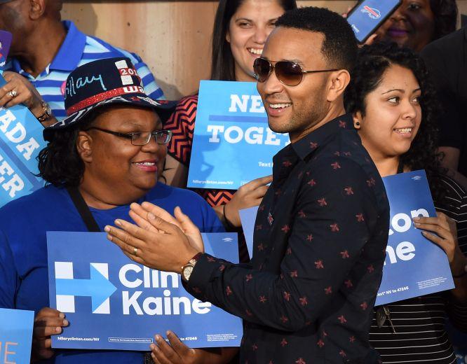 Elizabeth Warren Campaigns For Hillary Clinton In Las Vegas