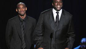 Basketball legends Kobe Bryant (L) and M